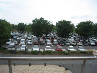 水の広場駐車場